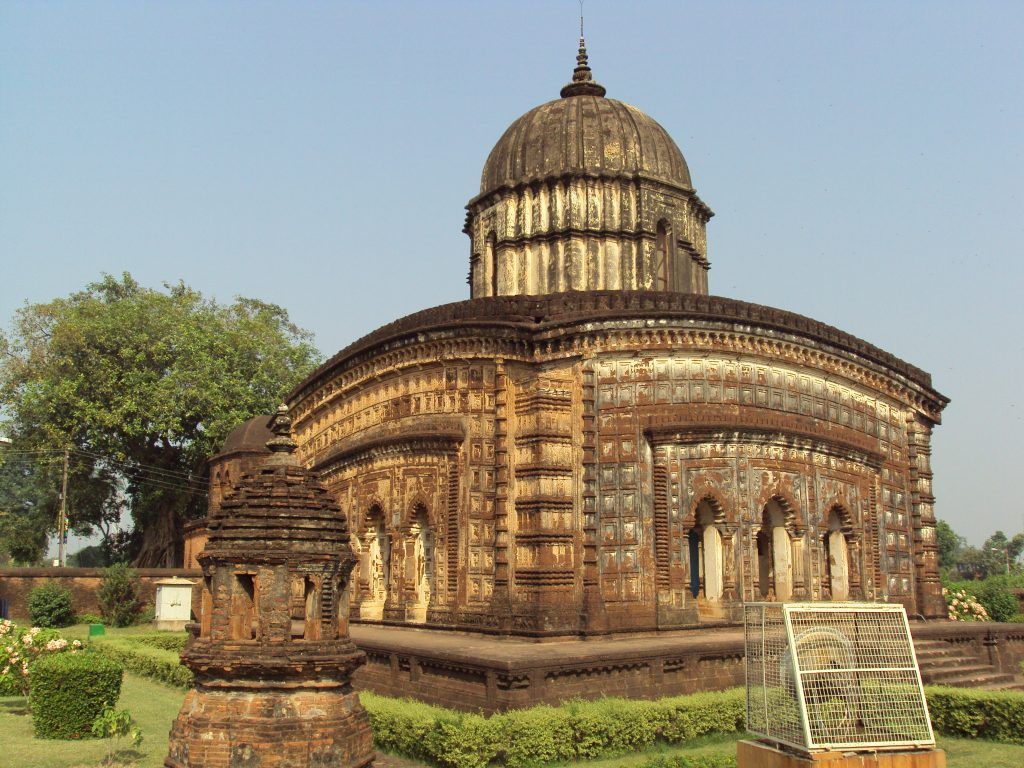 Tour Hiker - Bishnupur beautiful ancient dome