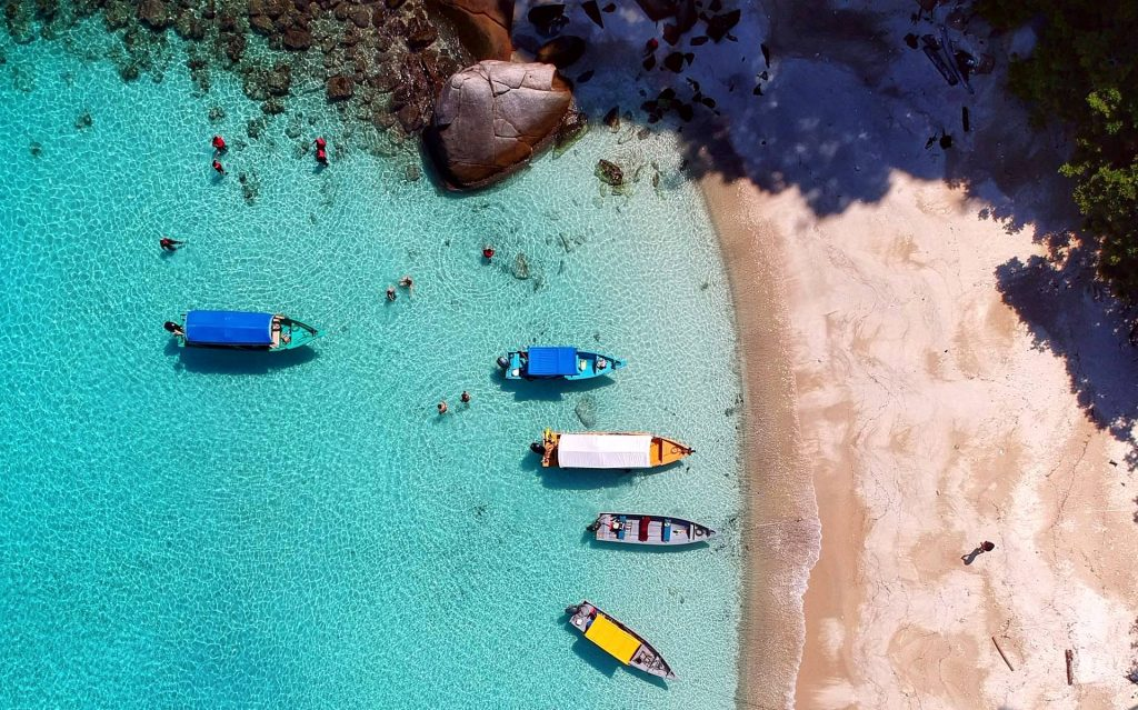 aerial view photography of boats on seashore photo