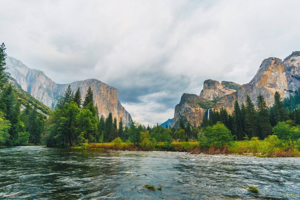 Yosemite areal view during day