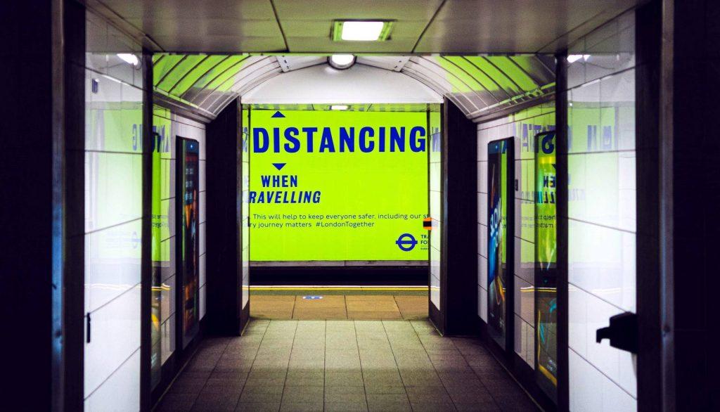Travel Reminder Social Distancing Green